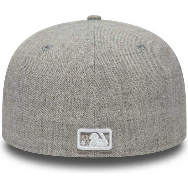 casquette-plate-grise-ajustee-59fifty-essential-new-york-yankees-mlb-new-era