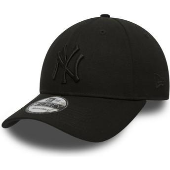 New Era Curved Brim Black Logo 9FORTY League Essential New York Yankees MLB Black Adjustable Cap
