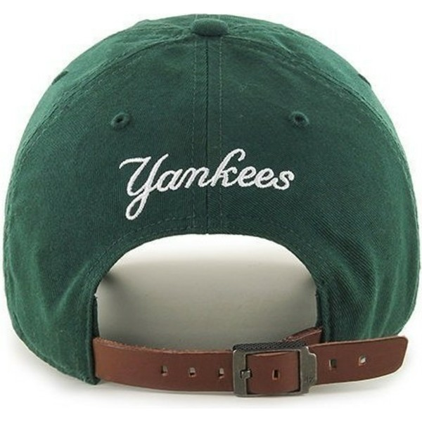 casquette-courbee-verte-avec-petit-logo-new-york-yankees-mlb-clean-up-47-brand