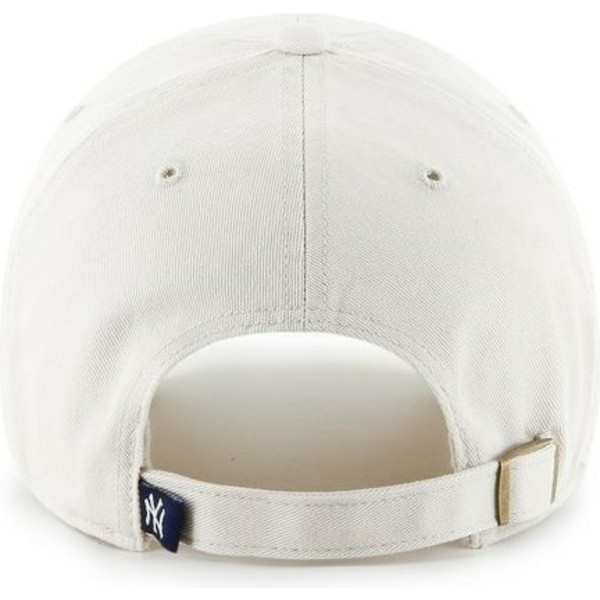 casquette-a-visiere-courbee-creme-avec-grand-logo-frontal-mlb-newyork-yankees-47-brand